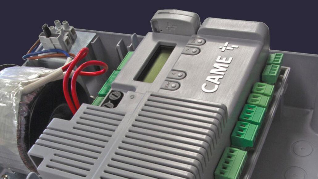 CAME – ZLX24 il quadro comando universale per motori a 24 V per cancelli a battente